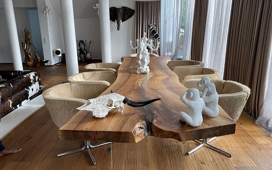 Modello di tavolo in legno grezzo n.01