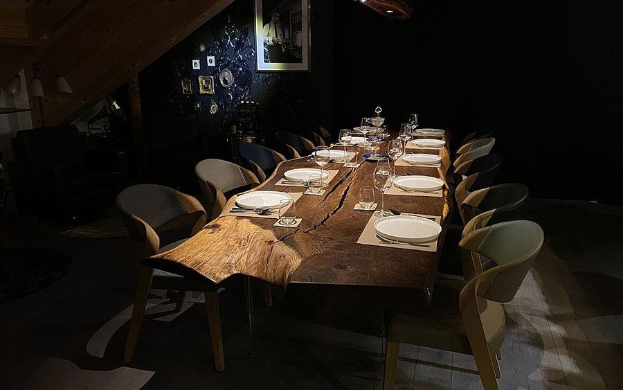 Modello di tavolo in legno grezzo n.02