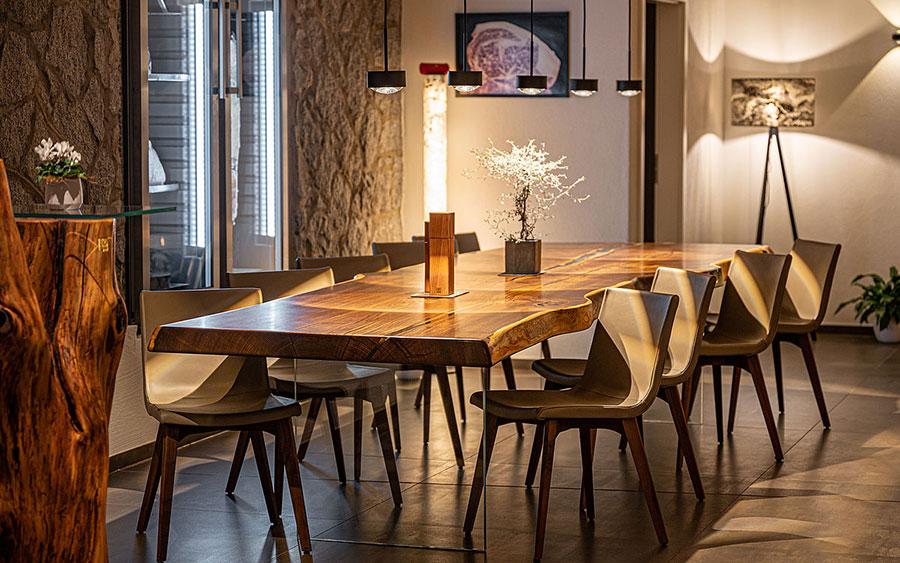 Modello di tavolo in legno grezzo n.04