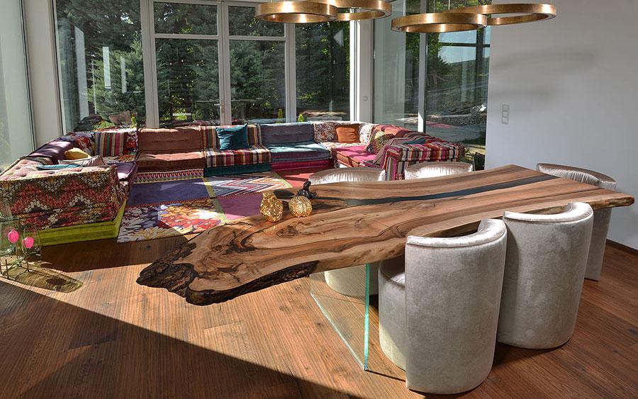 Modello di tavolo in legno grezzo n.05
