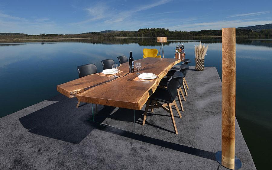 Modello di tavolo in legno grezzo n.07