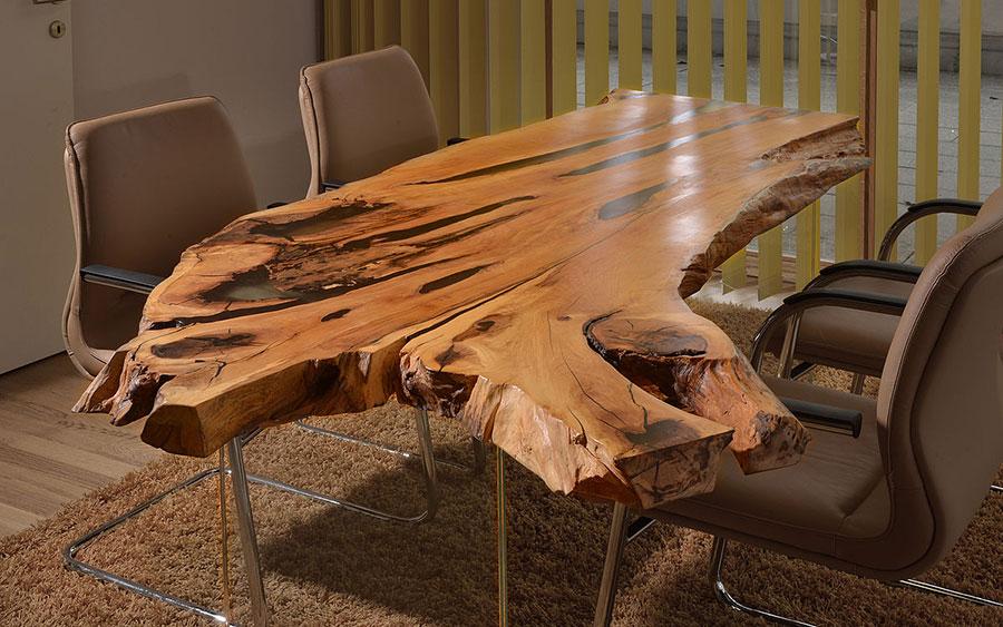 Modello di tavolo in legno grezzo n.13