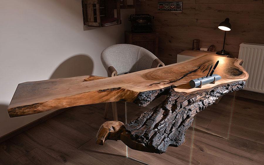 Modello di tavolo in legno grezzo n.14