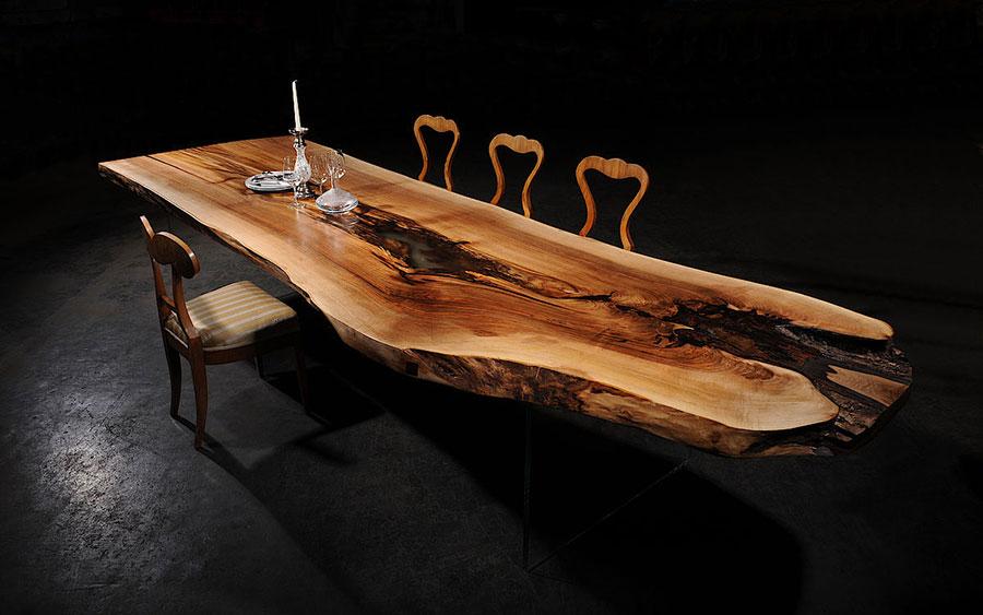Modello di tavolo in legno grezzo n.15