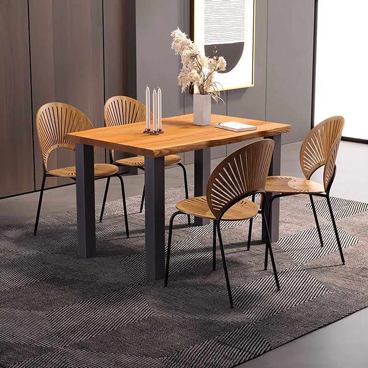 Modello di tavolo in legno grezzo economico n.01