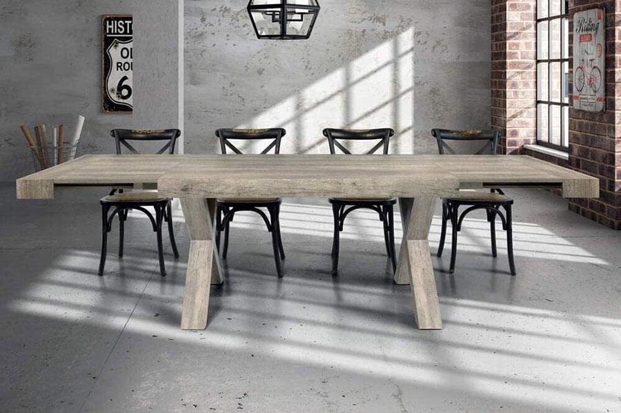 Modello di tavolo in legno grezzo economico n.02