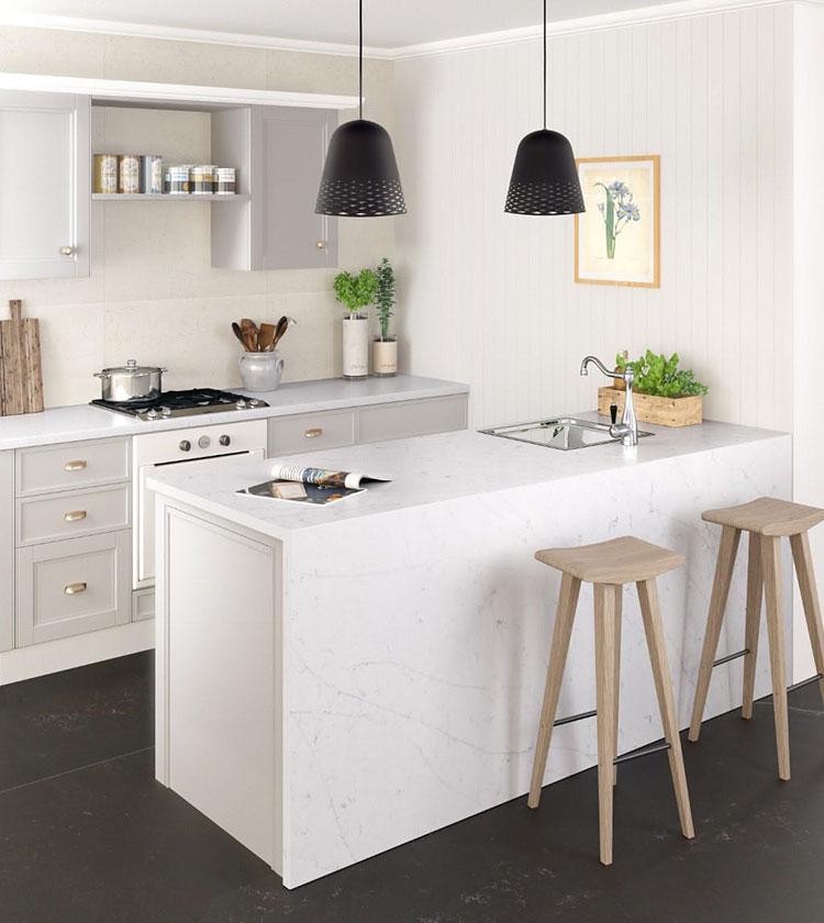 Piccola cucina con isola a muro n.01