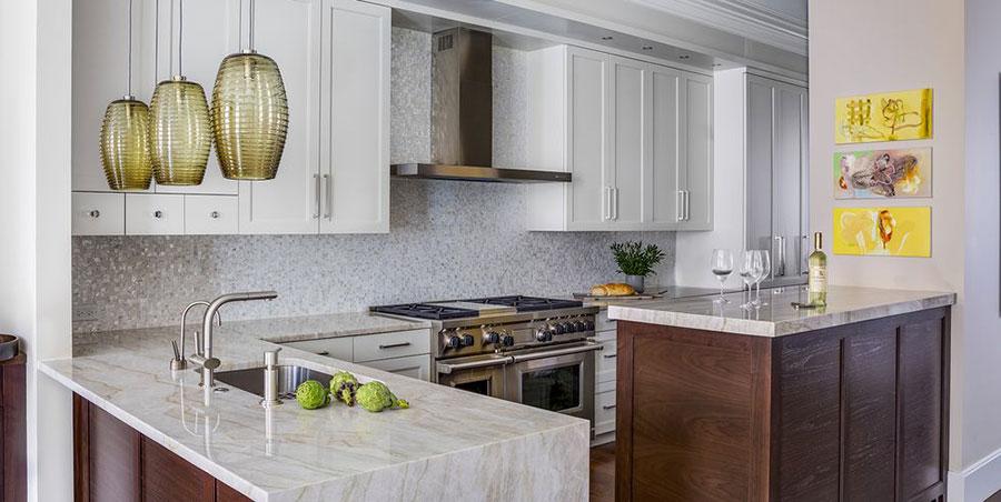 Piccola cucina con isola a muro n.04