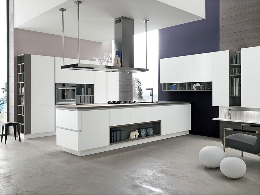 Open space cucina con isola a muro n.01