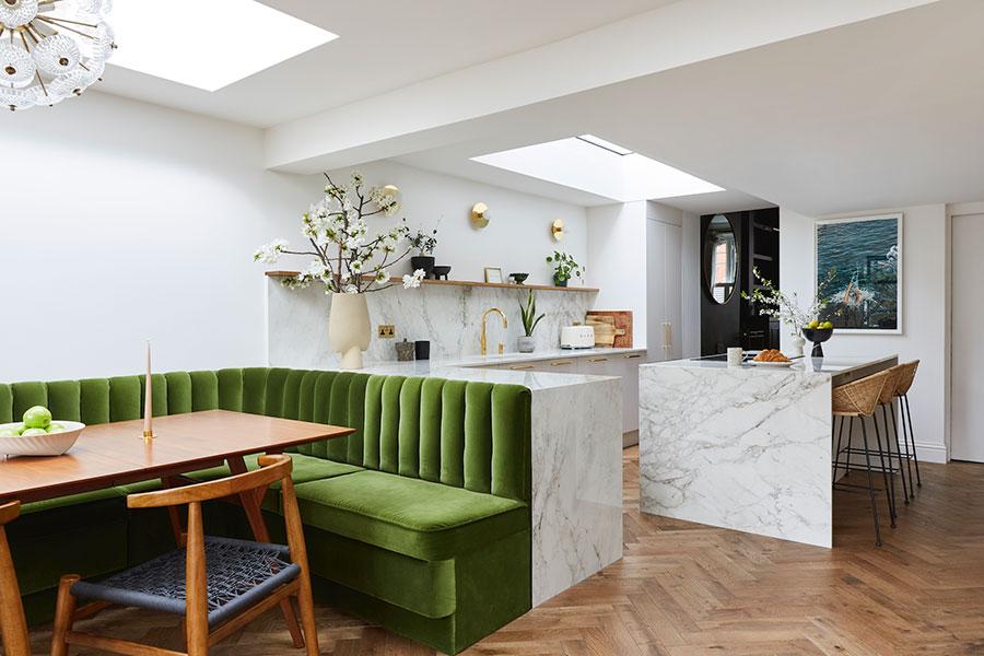 Open space cucina con isola a muro n.03