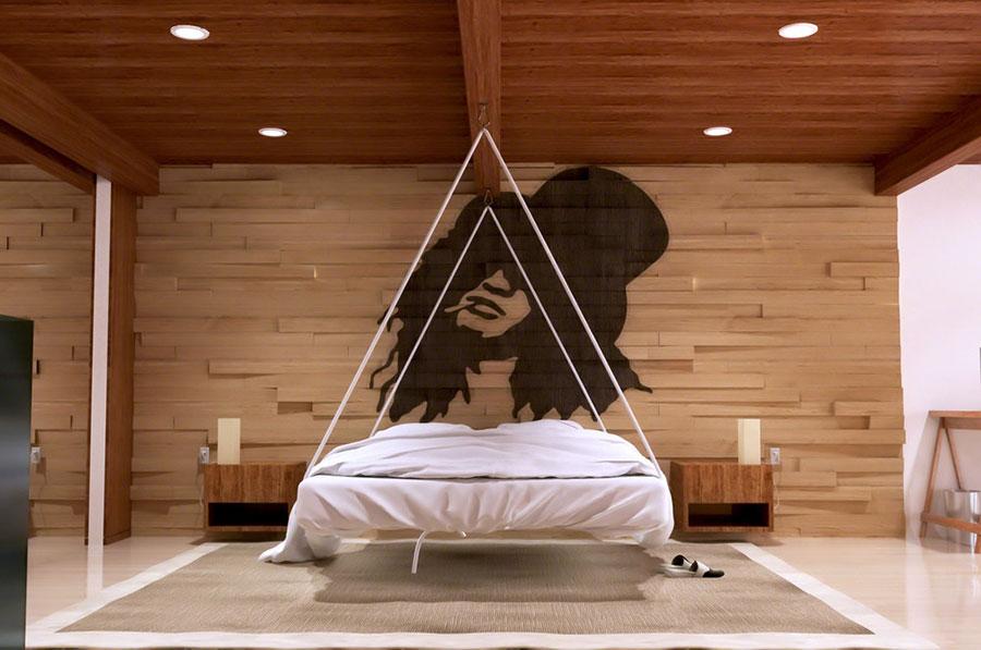 Idee per arredare una camera da letto bianca e legno n.13