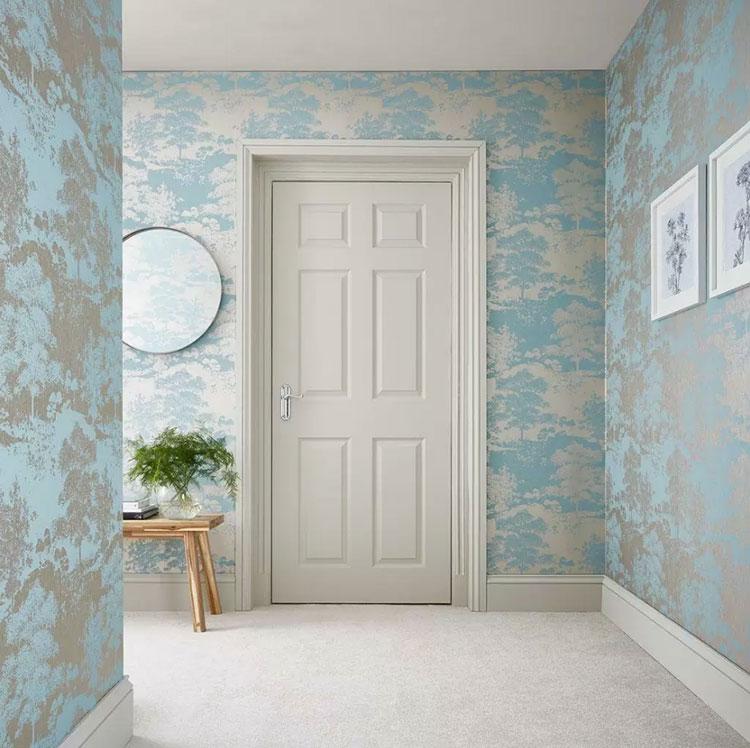 Idee per decorare il corridoio con la carta da parati n.01