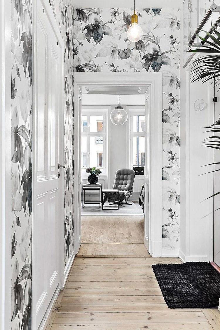Idee per decorare il corridoio con la carta da parati n.2