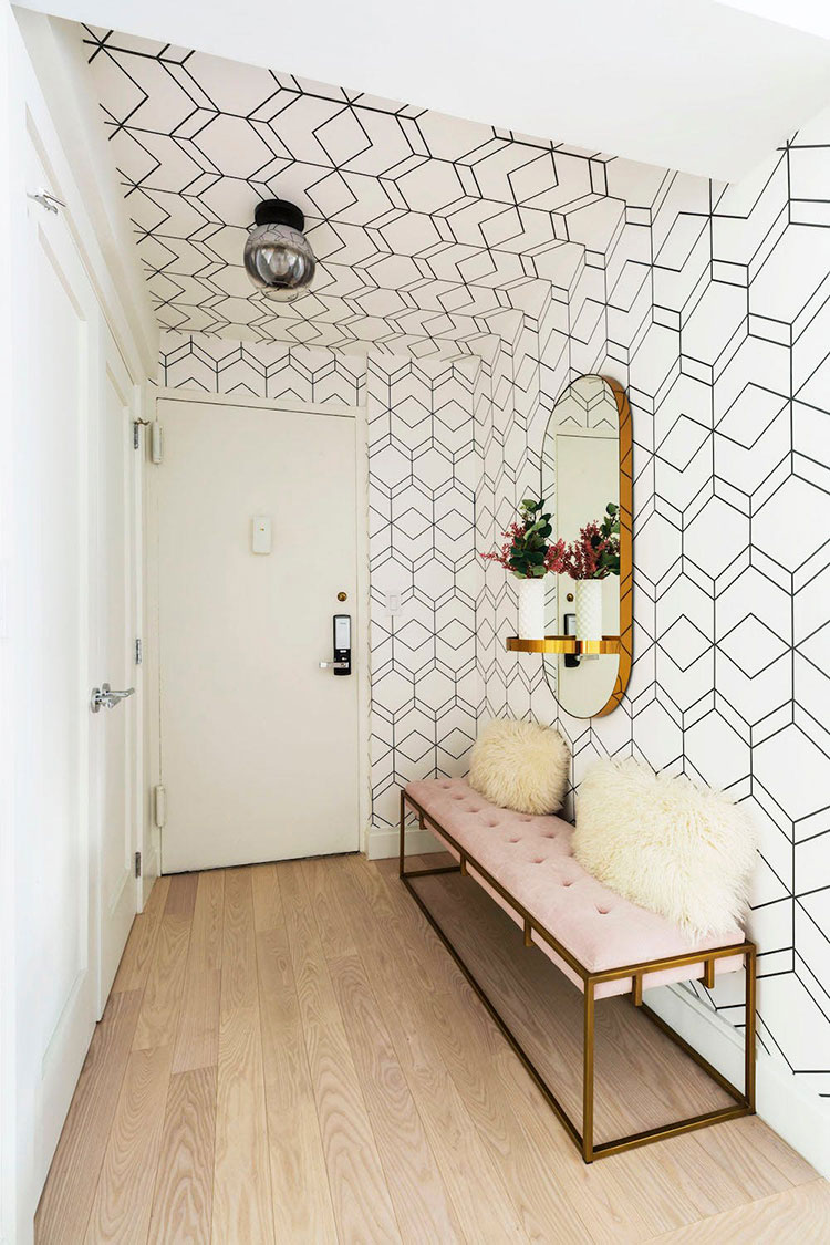 Idee per decorare il corridoio con la carta da parati n.4
