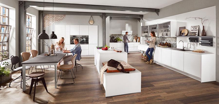 Progetto per cucina con isola e tavolo separato n.12