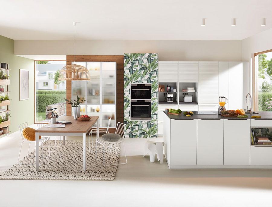 Progetto per cucina con isola e tavolo separato n.14