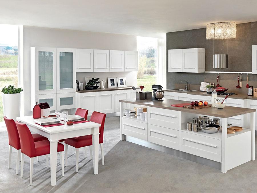 Progetto per cucina con isola e tavolo separato n.16