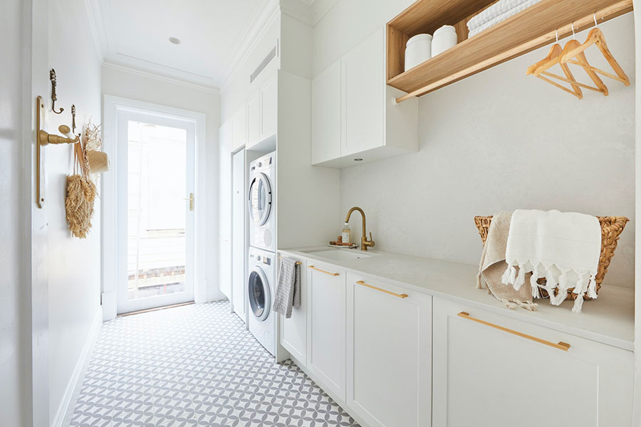 Idee per arredare la lavanderia in corridoio n.04