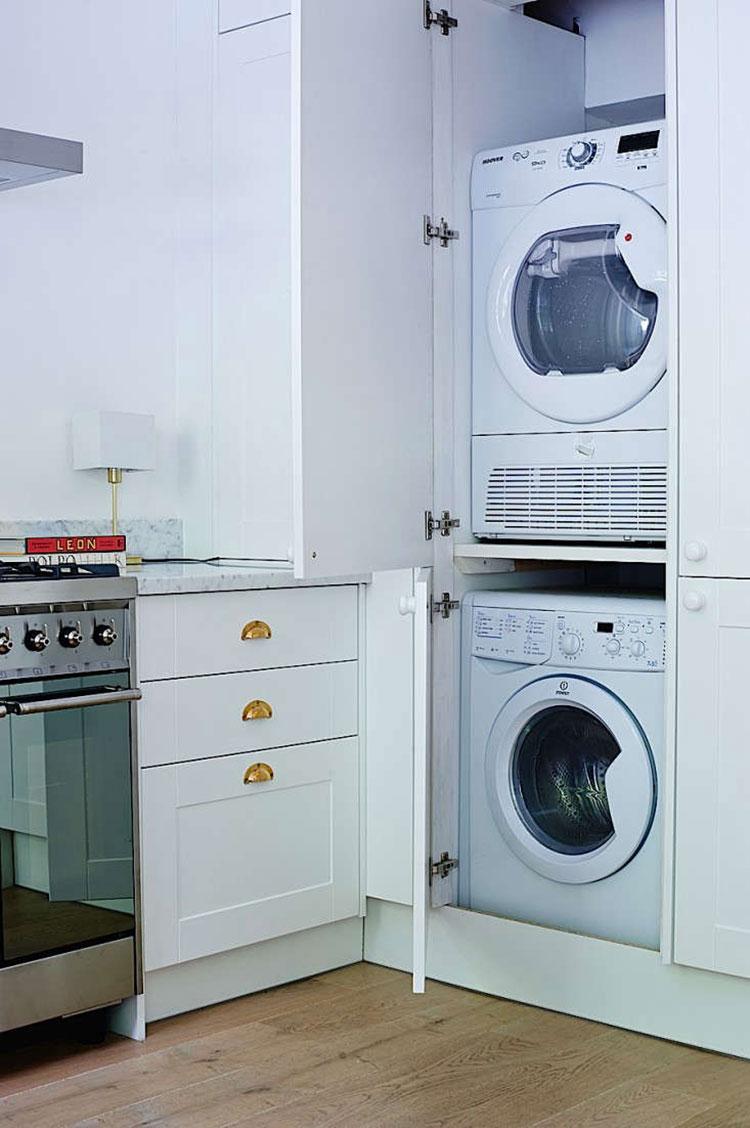 Idee per arredare la lavanderia in cucina n.02