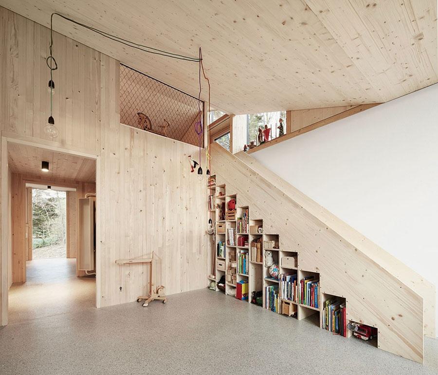 Idee per una scala con libreria integrata n.17