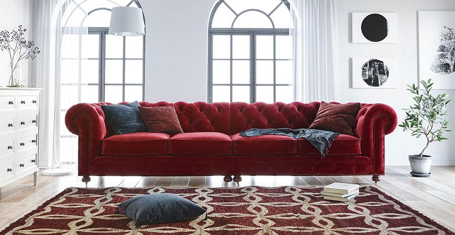 Quali tappeti abbinare ad un divano rosso n.01
